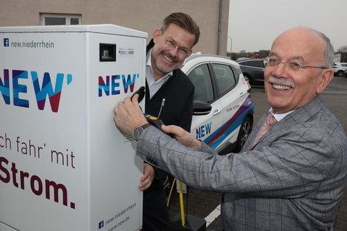 NEW nimmt öffentliche E-Ladesäulen im Selfkant in Betrieb