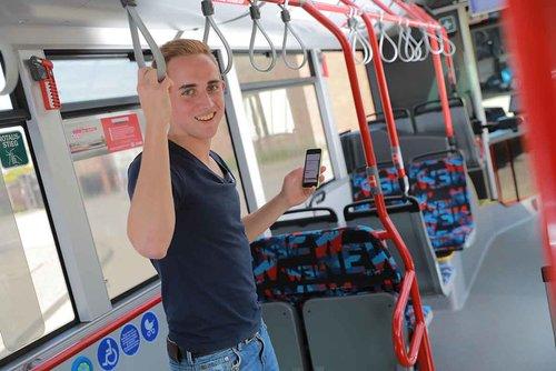 NEW investiert 7,5 Millionen Euro in 30 neue Busse und stattet diese mit WLAN aus