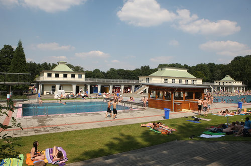 Freibadsaison im Volksbad und Schlossbad Niederrhein endet zum Wochenende
